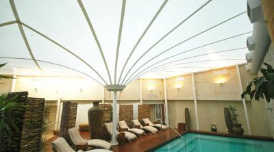 Mái che hồ bơi trong nhà