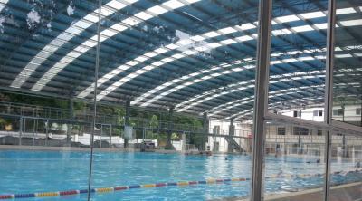 Vòm che bể bơi đẹp mắt