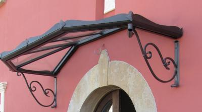 Vòm che trang trí cửa